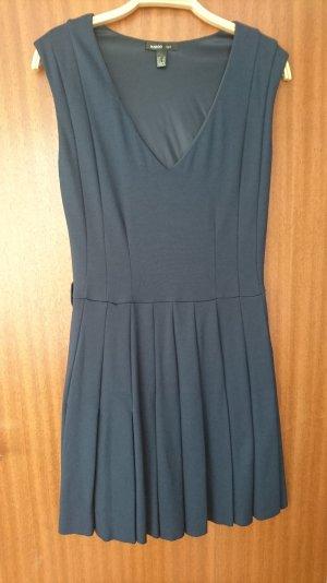 schickes knielanges Kleid von Mango Suit
