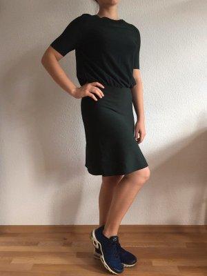 Schickes kurzämeliges Kleid von COS in Tannengrün