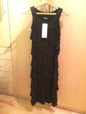 Schickes langes schwarzes Kleid
