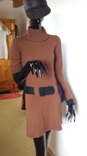 Schickes , leichtes Strickkleid in braun mit schwarz, Gr.32