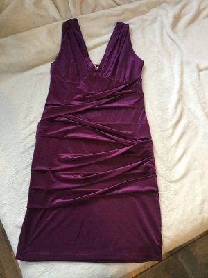 schickes lila kurzes Kleid der Marke Orsay