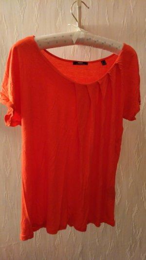 schickes orange-rotes Shirt