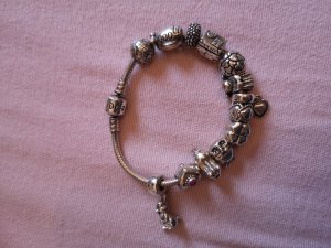 schickes Pandora Armband