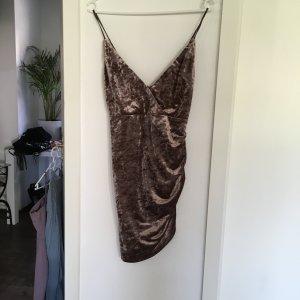 Schickes Partykleid aus Samt