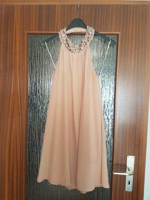 Schickes rosanes Kleid