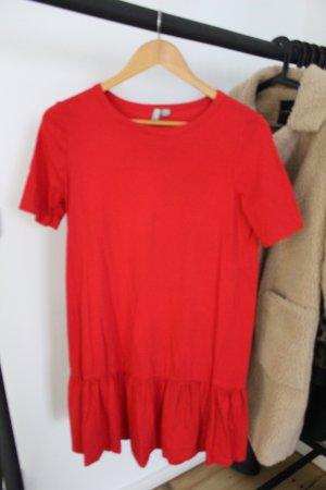 Schickes rotes Kleid