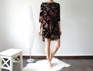 Schickes Samtkleid mit Blumenprint