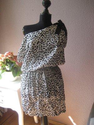 Schickes schwarz weißes Kleid mit Animalprint
