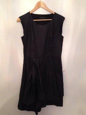 Schickes schwarzes Kleid Cos