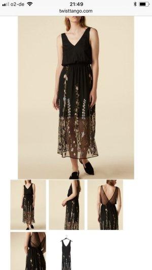 Schickes schwarzes Kleid mit Blumenstickerei