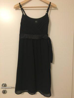 Schickes schwarzes Kleid von Esprit