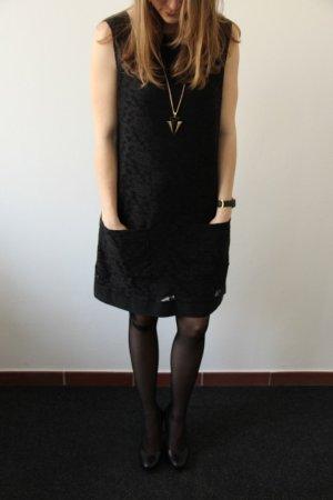 schickes schwarzes Kleid von Strenesse, mit Spitze