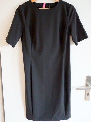 Schickes schwarzes Kleid von United Colors of Benetton