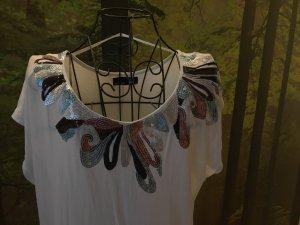 Schickes Shirt, weiß, bestickt,