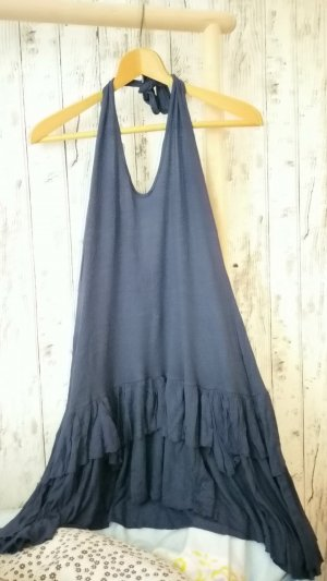 Schickes spanisches Neckholder Kleid