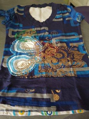 schickes Tshirt in Blautönen