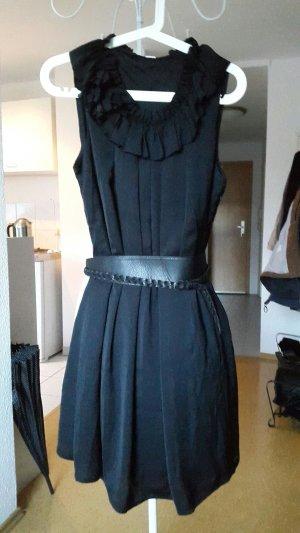 Schickes ungetragenes Kleid s.Oliver 38