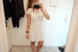 Schickes weißes Kleid mit Spitzenoptik