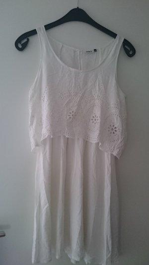 Schickes, weißes Sommerkleid von Only