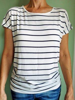 Schiff Ahoi! Süßes Shirt in Wollweiß mit Navyringel von Vero Moda