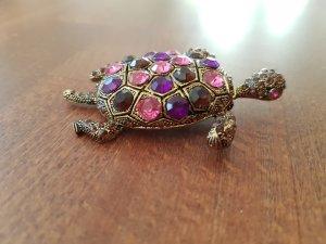 Schildkröten Brosche in goldfarben mit Strasssteinen in pink-lila