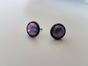 Ear stud multicolored