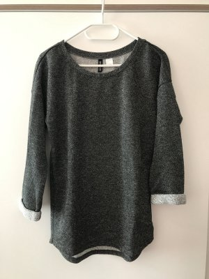 Schimmernd grauer Pullover