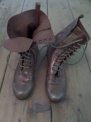 Schimmernde Used Stiefel
