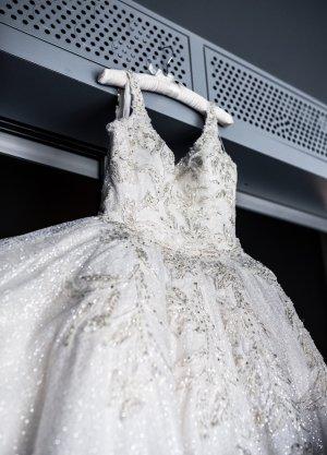 Schimmerndes Brautkleid zu verkaufen!