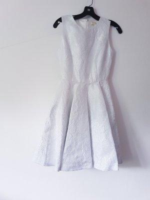 Schimmerndes Kleid
