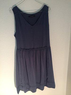 Schimmerndes Kleid von Reserved