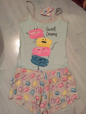Schlafanzug ganz neu