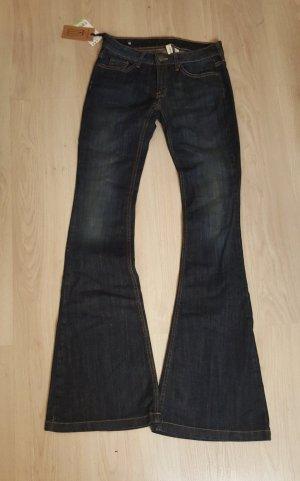 Mango Jeans a zampa d'elefante blu scuro-blu Cotone