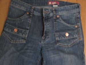 Schlag Jeanshose Größe 28