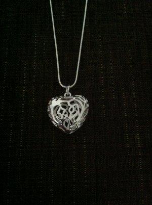 Schlangenkette aus 925er Silber mit Herzanhänger – großes 3D Herz