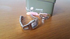 schlanke zierliche Fossil Uhr