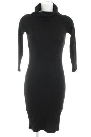 Vestido de tubo negro estilo «business»