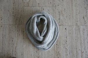H&M Bufanda tubo gris claro-gris