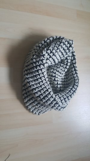 Tube Scarf white-black