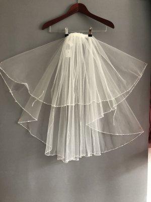 Veil white-natural white
