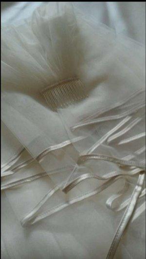Schleier Ivory mit Satinbandeinfassung Taupe