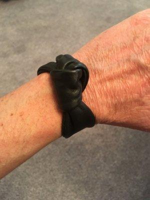 Schleifenarmband schwarz Kunstleder
