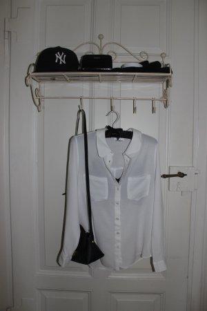 Schlichte aber besondere weiße Bluse