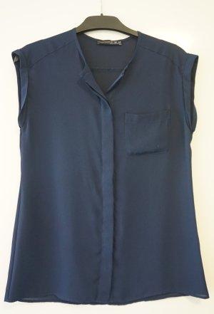 Schlichte blaue Bluse