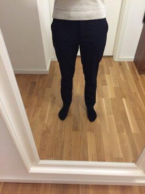 Schlichte dunkelblaue Anzugshose