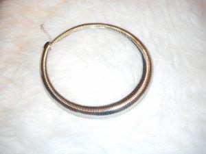 Schlichte elegante Halskette