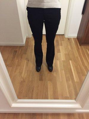 Schlichte, leicht ausgestellte Anzugshose