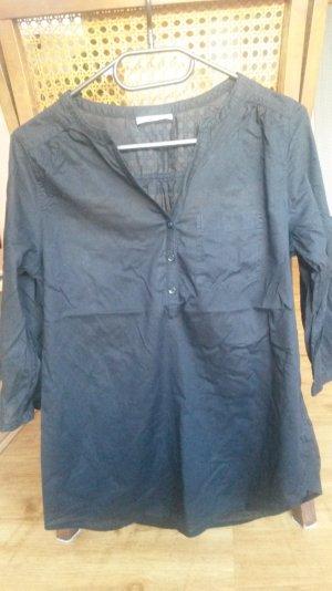 schlichte, schwarze Bluse