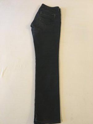 Schlichte schwarze Jeanshose