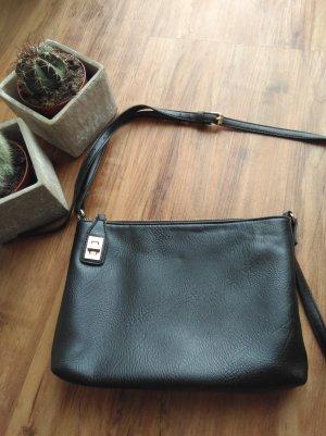 Schlichte schwarze Tasche